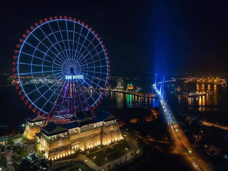 Quý khách sẽ được trải nghiệm những điều tuyệt vời nhất tại Hạ Long khi về đêm